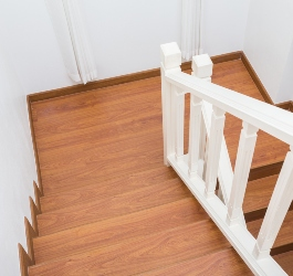 How to Install Laminate Flooring on Stairs